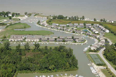 Green Cove Condominiums