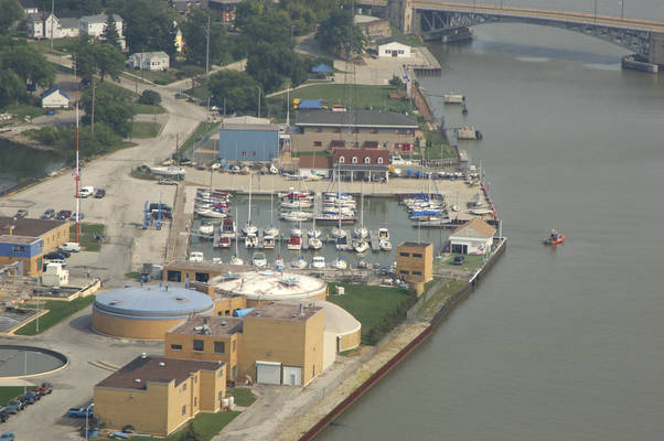 Lorain Harbor Boat Club