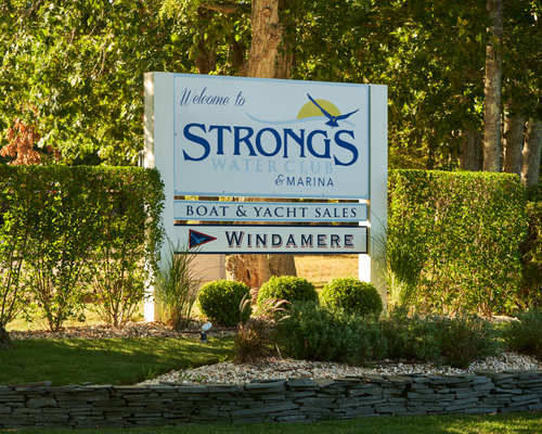 Strong's Water Club & Marina