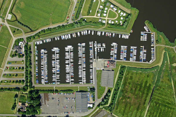Zwaansmeerpolder Yacht Harbour