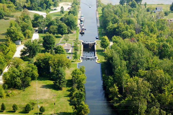 Tay Canal Lock 33