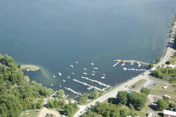 Apple Island Marina