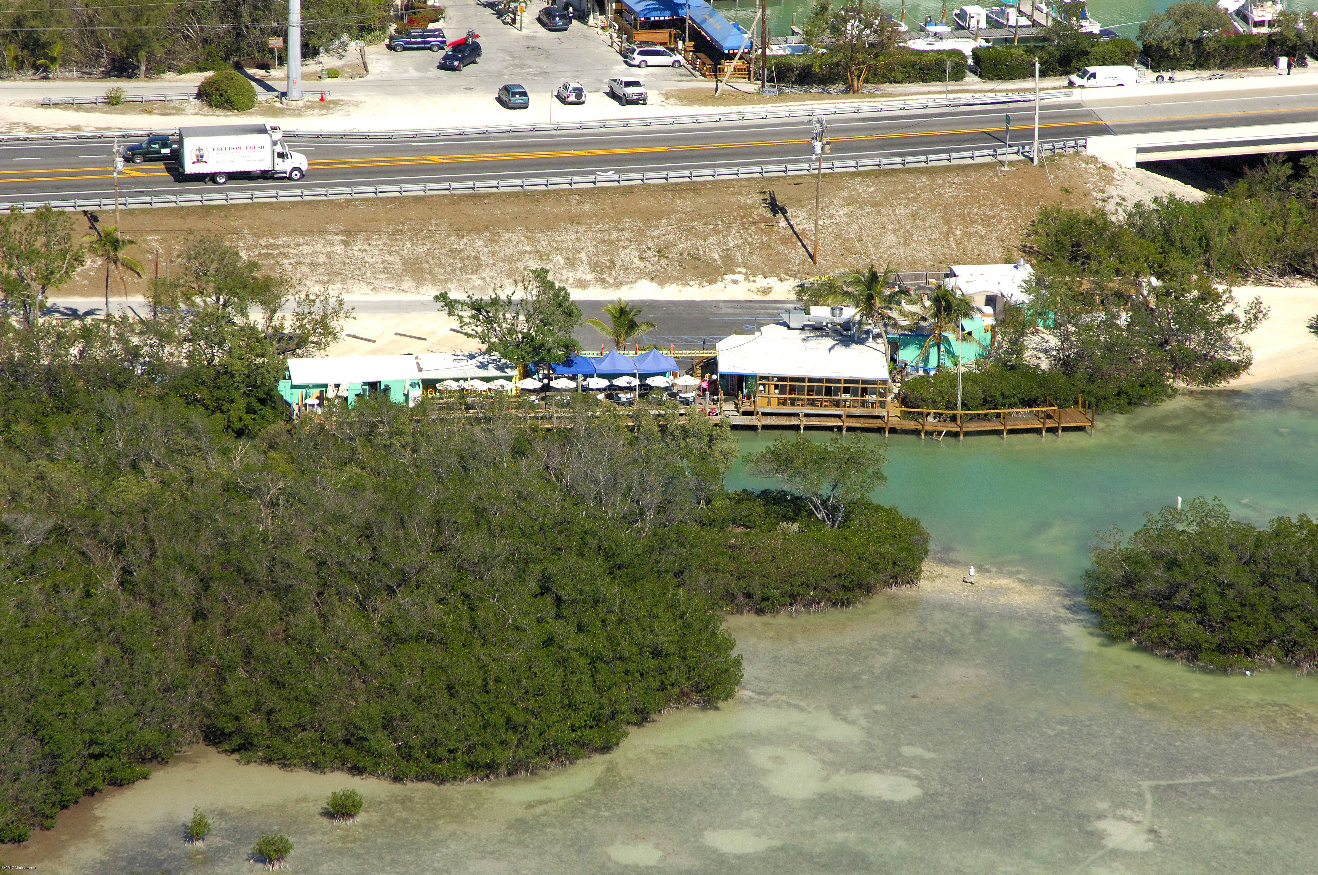 Island 39 s fish grill in indialantic fl united states for Island fish grill