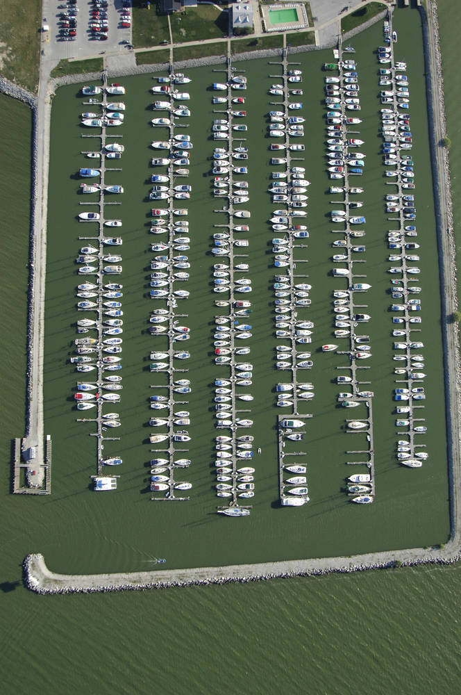 Safe Harbor Sandusky Slip Dock Mooring Reservations Dockwa