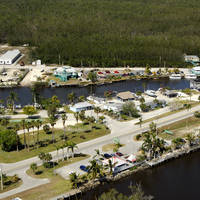Everglades Isle Luxury Motor Coach Retreat & Marina