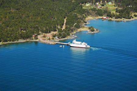 Enklinge Ferry