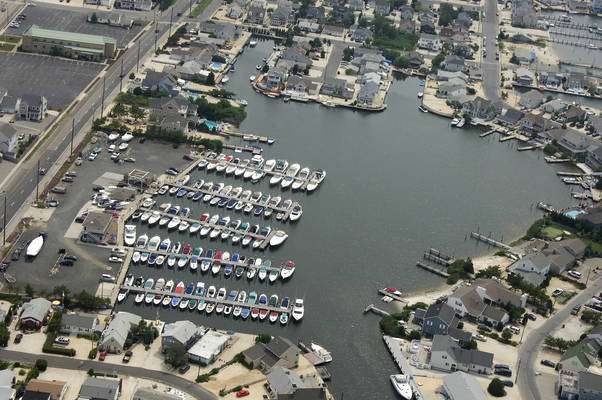 Harbour Yacht Club & Marina