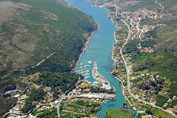 Rijeka Dubrovacka