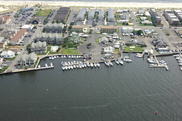 Carriage House Marina