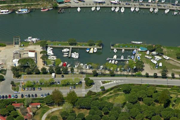 Piave Vecchia Darsena Faro Marina