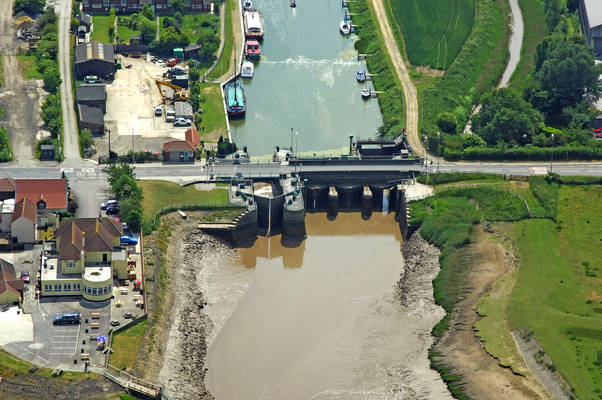 New River Ancholme Lock