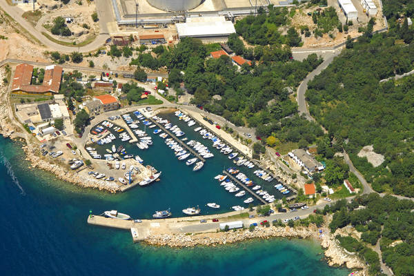 Podurinj Harbour