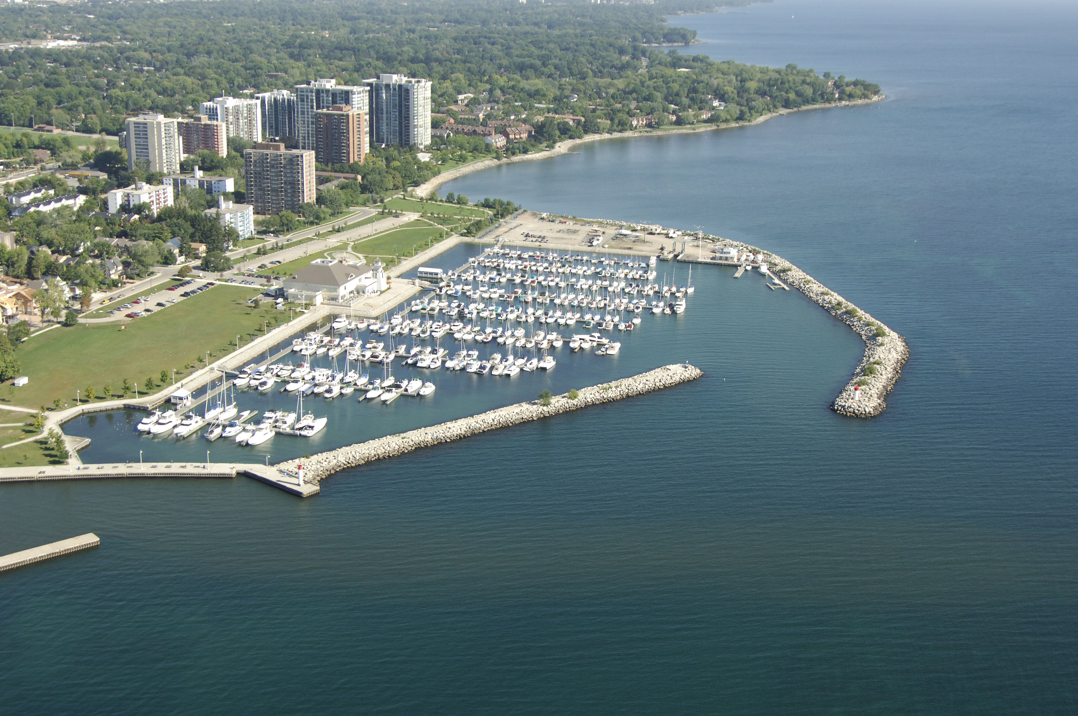 bronte outer harbour marina in oakville  on  canada