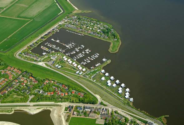 Yachtharbor Oostmahoorn