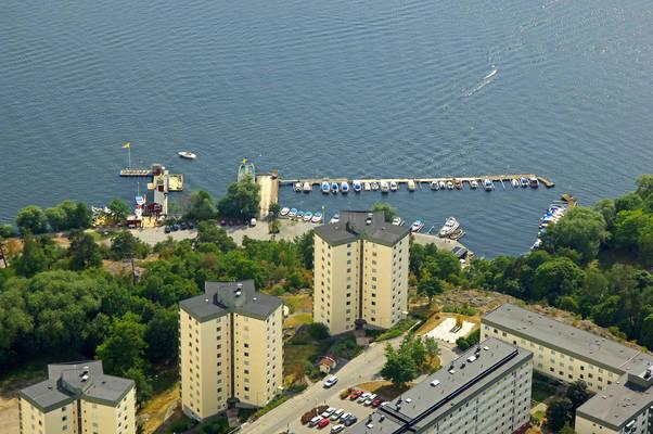 Karlbergs Strand Road Marina