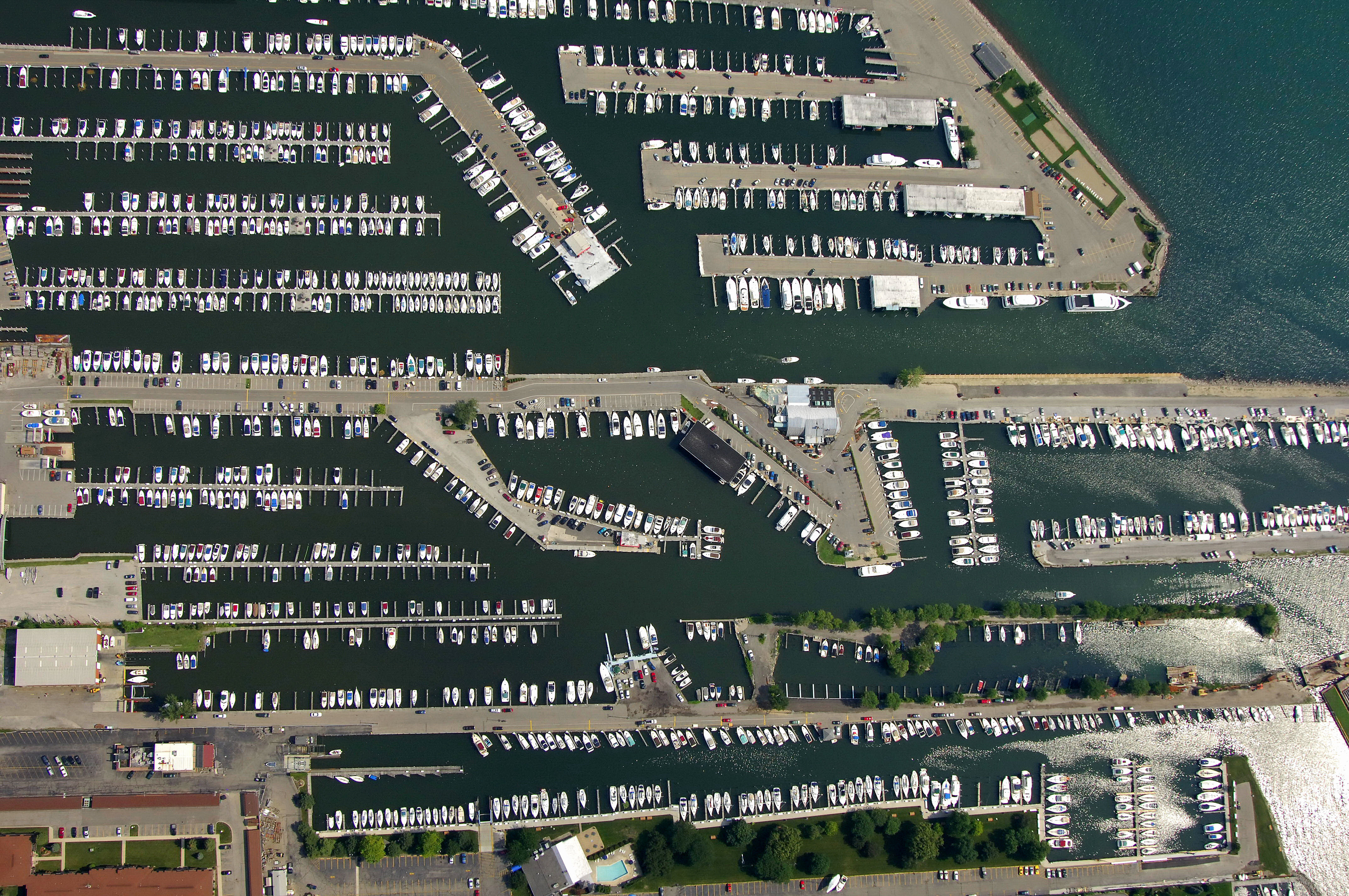Emerald city boat club closed in st clair shores mi for Emerald city nickname