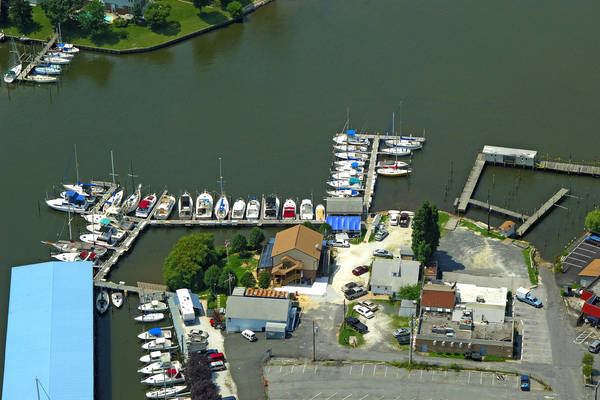 Middle River Yacht Club