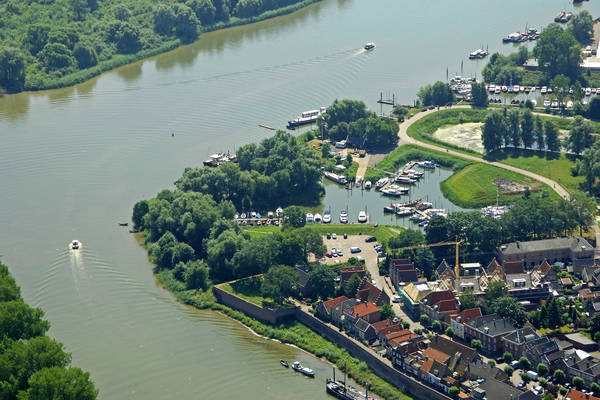 Woudrichem Watersport Marina