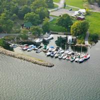 Ivy Lea Resort & Marina