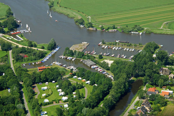 De Veenhoop Yacht Harbour