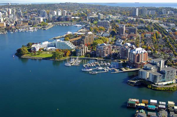 Coast Harbourside Hotel & Marina