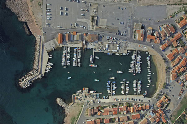 Carro Yacht Harbour