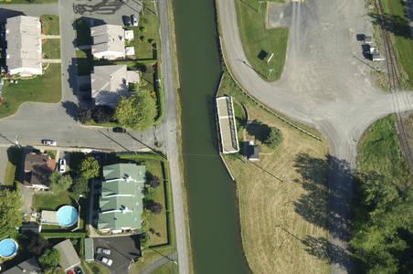 Rue Bande Du Canal Swing Bridge