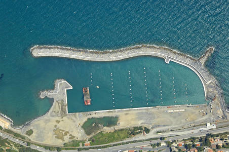 San Lorenzo Al Mare Marina