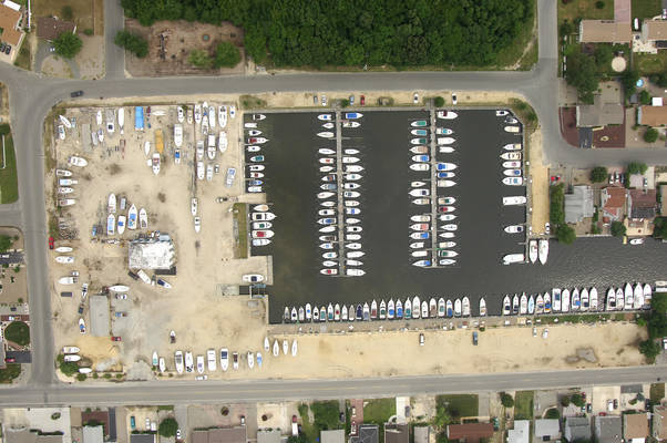 Laurel Harbor Marina
