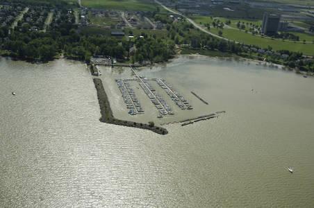 Club Nautique Deux Montagnes Marina
