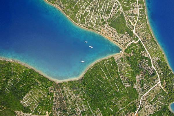 Otok Rava Marina