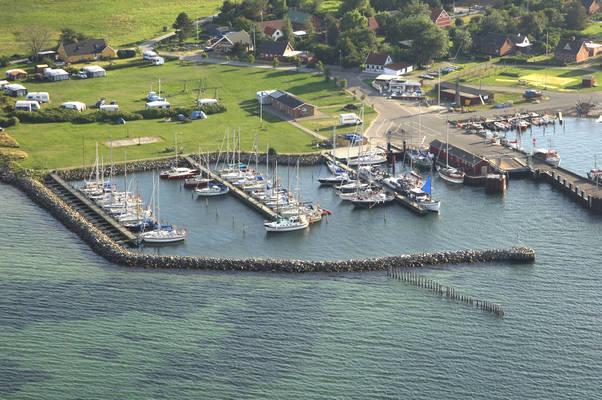 Omø Havn, Øst