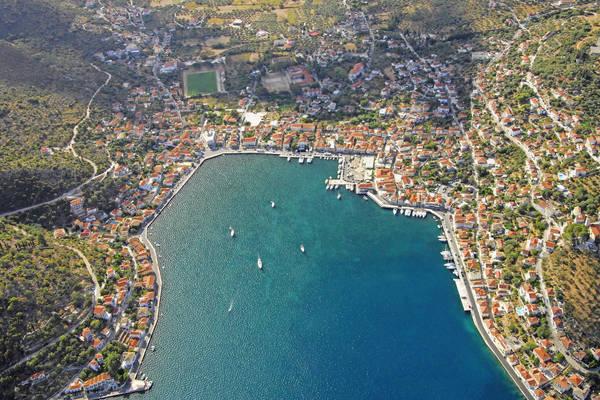 L Vatheos Yacht Harbour