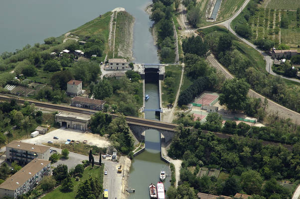 Beaucaire Mar Lock