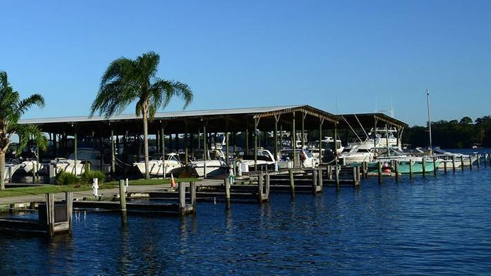 Doctors Lake Marina
