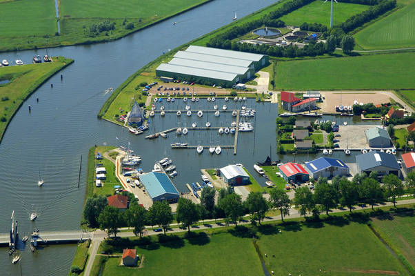 Pyramide Watersport Marina