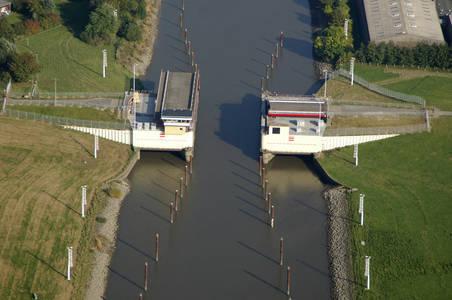 Dyke Defense Bridge 1