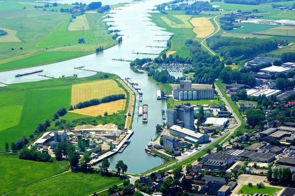 Rijnhaven Harbour