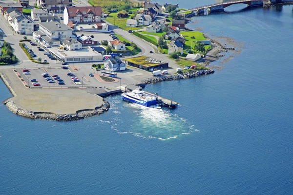 Vestnes Ferry