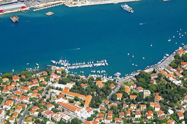 Marina Gruz Harbour