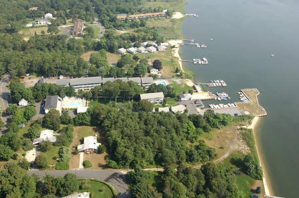 Colonial Shores Resort & Marina