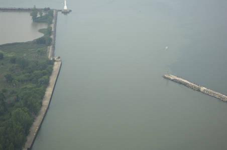 Huron Harbor Inlet