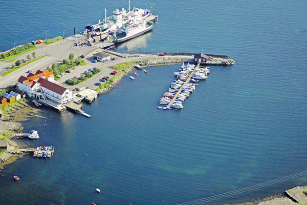 Leirvag Marina