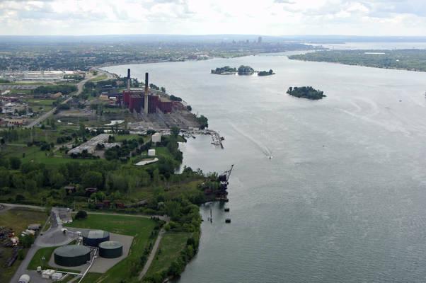 Mid River Marina