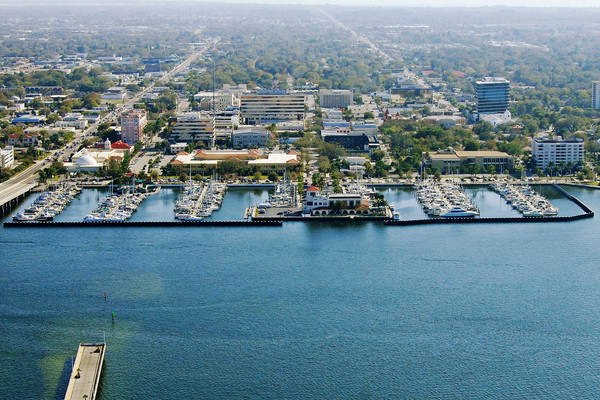Twin Dolphin Marina