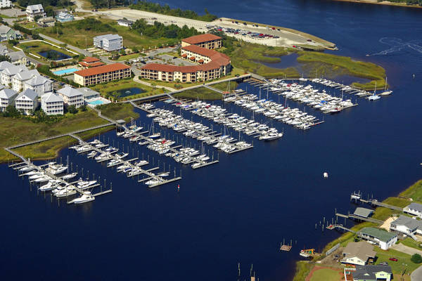 Waterfront Villas & Yacht Club