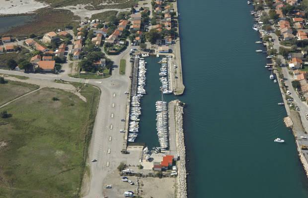 Port-Abri De Chartau Marina