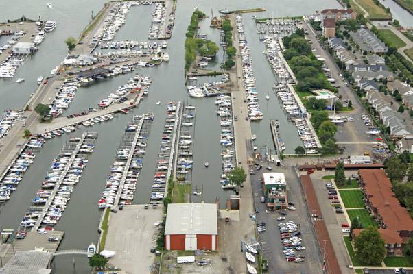 Island Harbor Marina