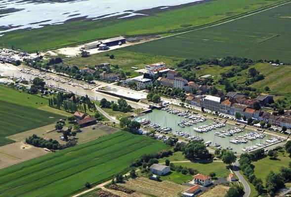 Mortagne Sur Gironde Marina