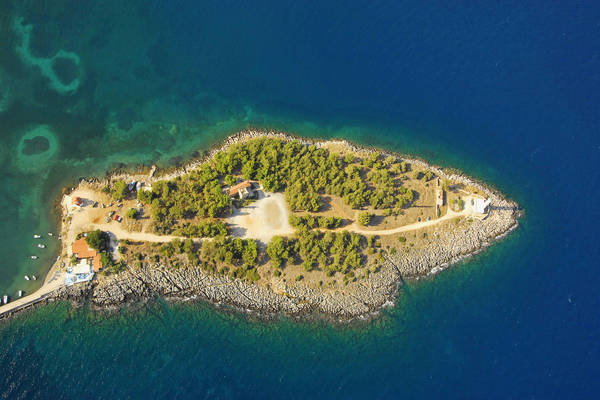 Gythio Lighthouse
